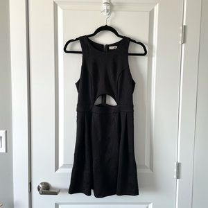 UO / SILENCE & NOISE / BLACK CUT OUT DRESS
